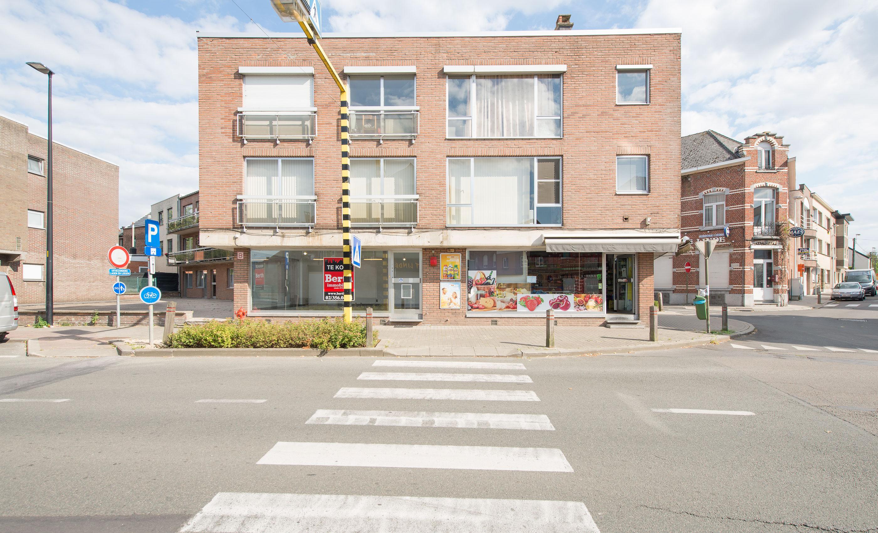 Georges Wittouckstraat 237,  Sint-Pieters-Leeuw