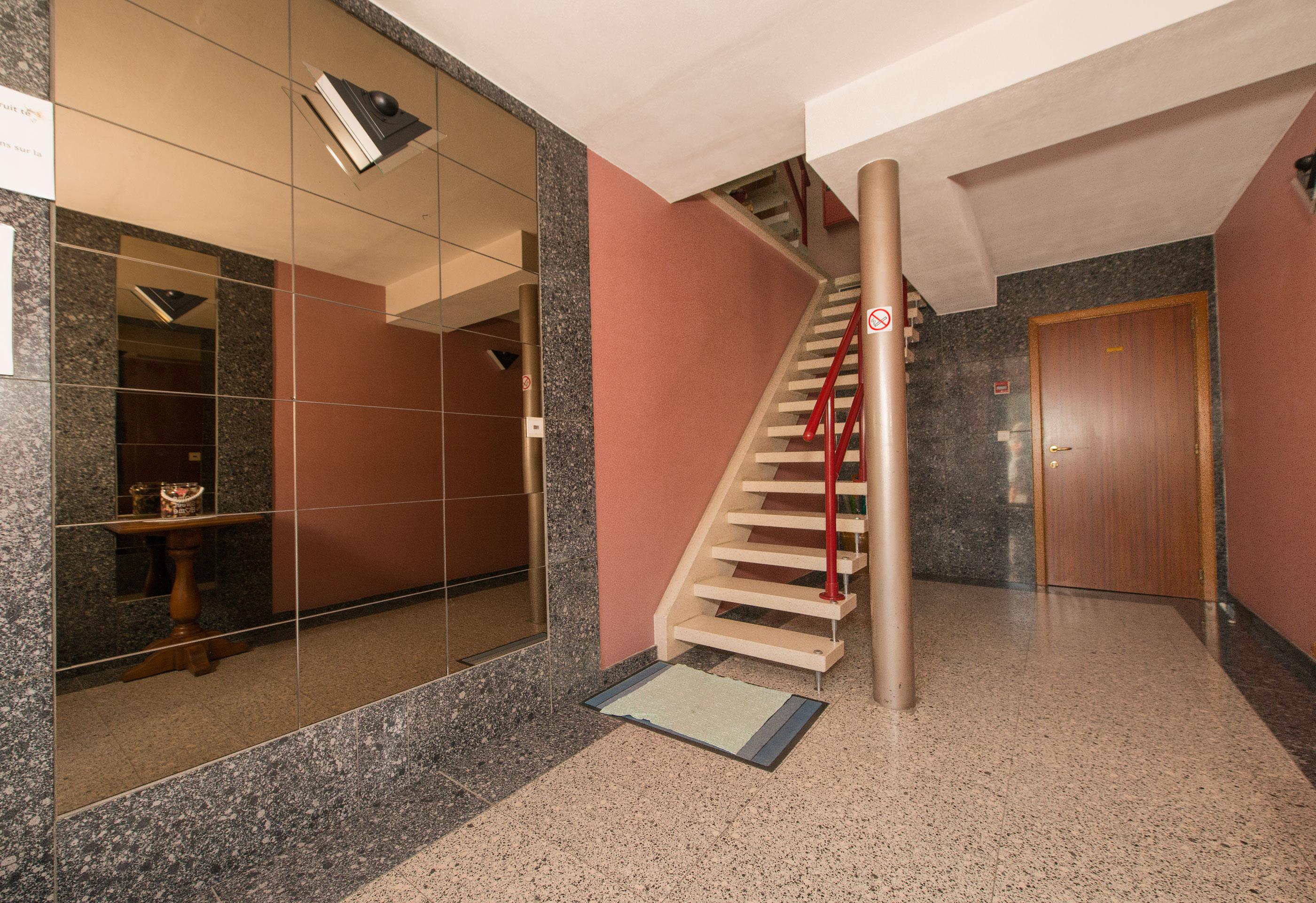 appartement halle a vendre nos offres immobili re berth. Black Bedroom Furniture Sets. Home Design Ideas