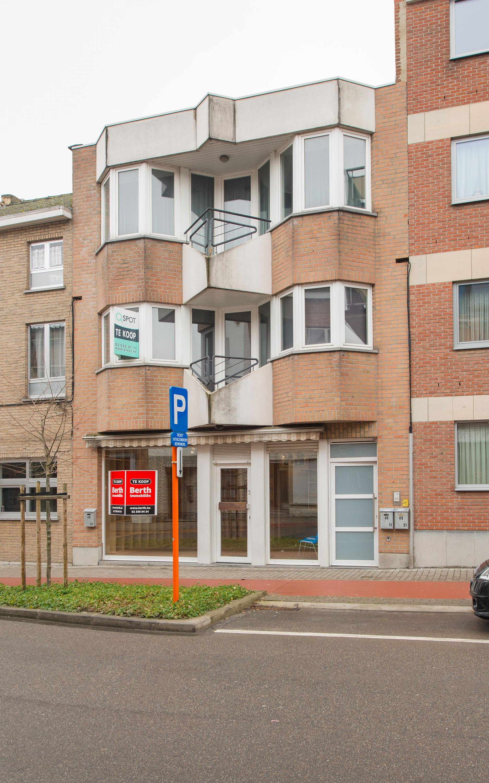 Bergensesteenweg 49,  Halle